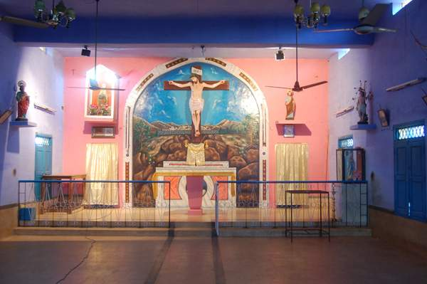 Singamparai Parish - Illanthakumam Church